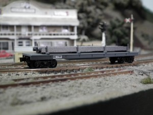 MLE-Flat-Car-with-Steel-I-beam-load-N-Trains-kit